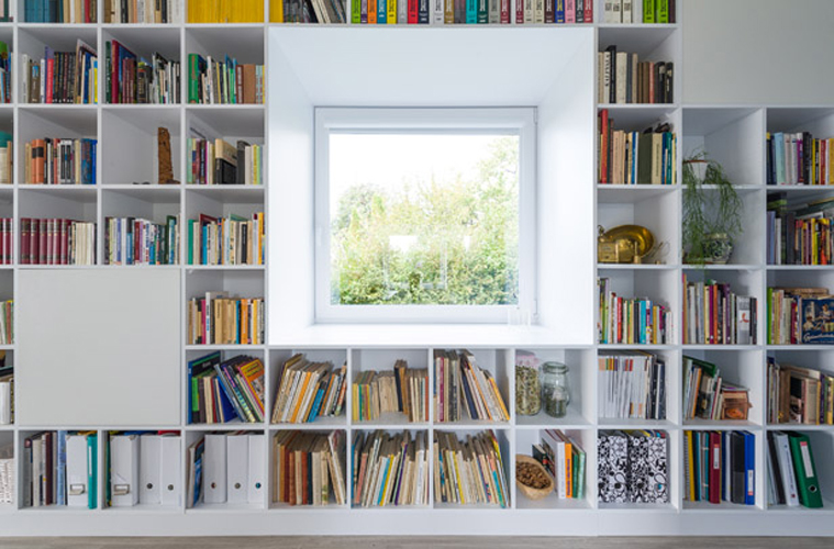 Beautiful Camera Da Letto Con Libreria Contemporary - Modern Home ...