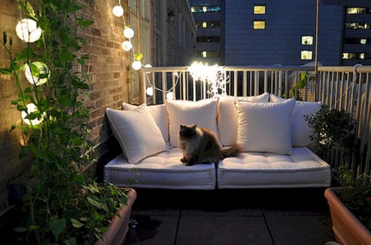 Balcone illuminato