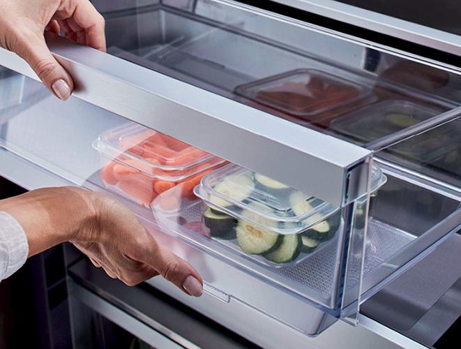 Dettaglio cassetti del congelatore a colonna Signature Kitchen Suite